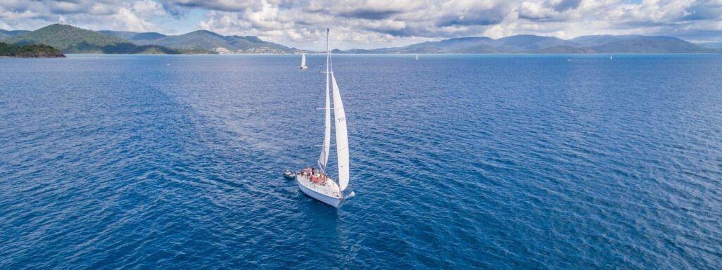 Sailing Yacht Mandrake in the Whitsundays