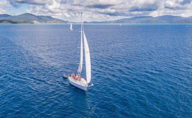 Sailing Yacht Mandrake in the Whitsundays