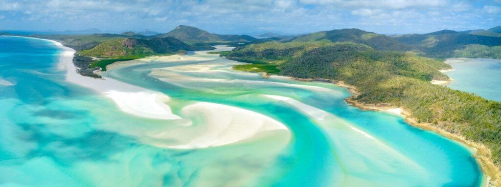 Hill Inlet swirling silica sands on Whitehaven Beach, Whitsunday Islands