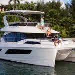 Bareboat-motor-cruiser