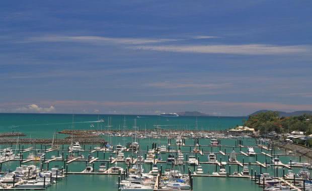 Cruise Ship Whitsundays