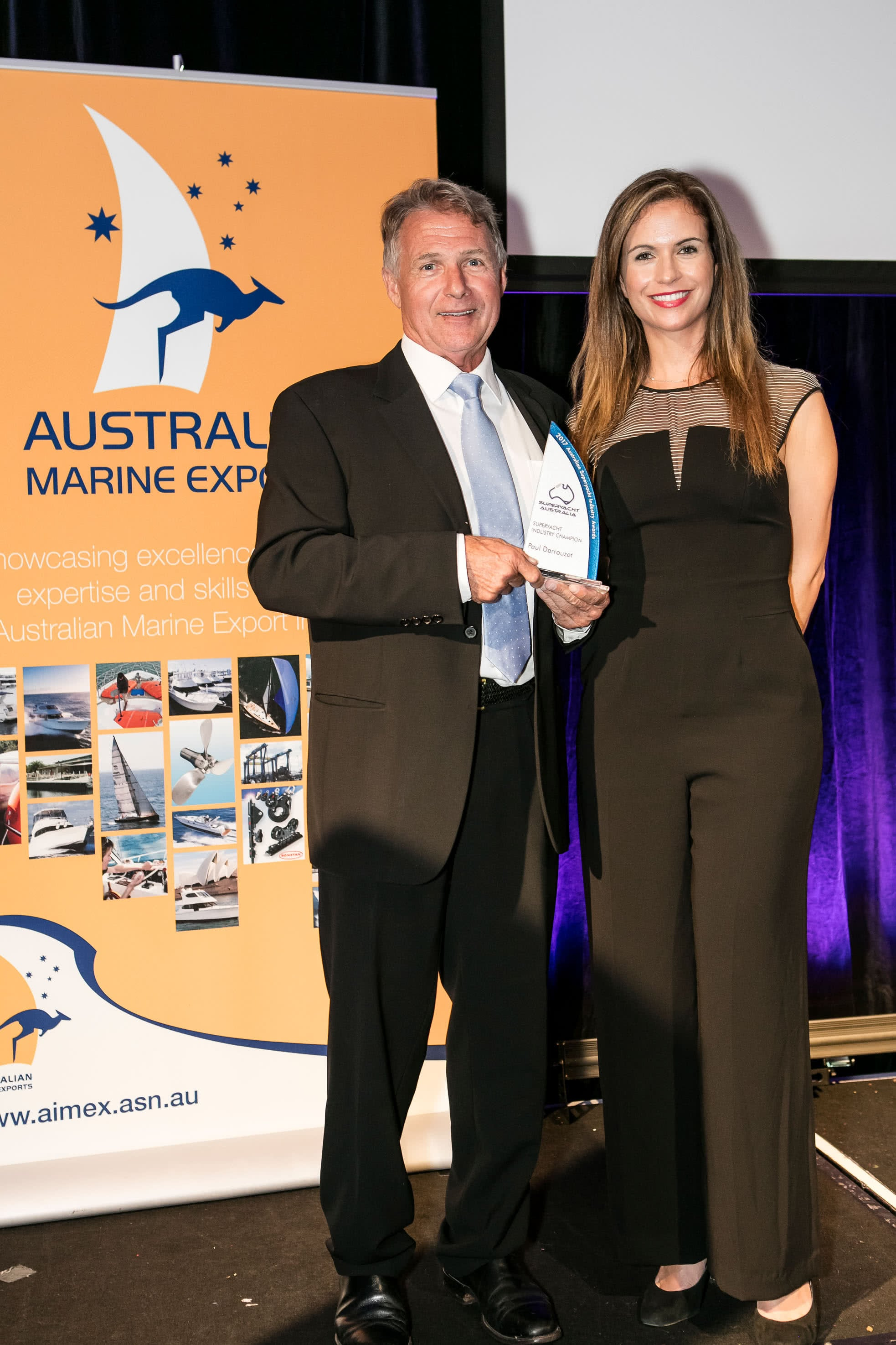 Paul Darrouzet accepting  award at the ASMEX Industry Awards