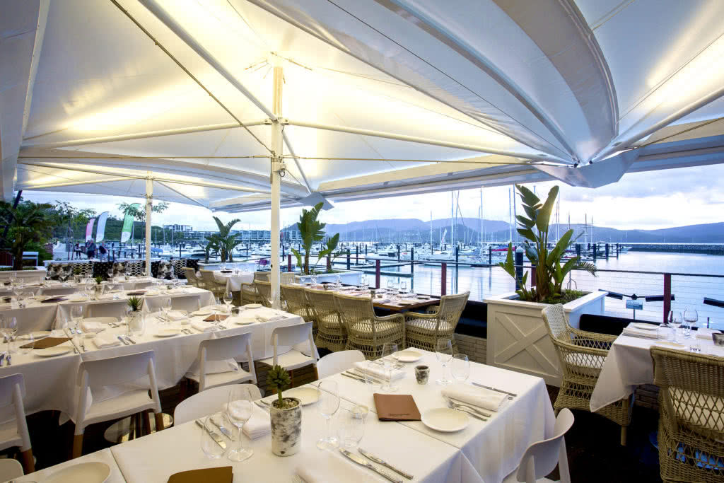 5 Reasons to Eat in the Marina